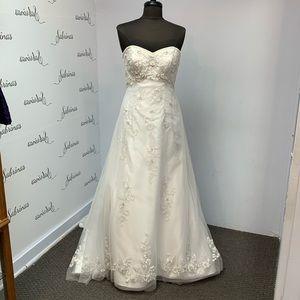 Alfred Angelo Wedding Gown 2231 White/Metallic sz8